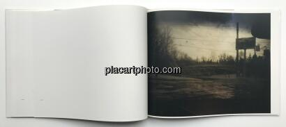 Todd Hido,Roaming : Landscape Photographs 1994-2004
