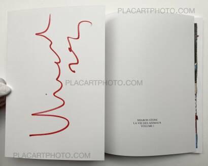 Vincent Delbrouck,SHARON STONE  LA VIE DES ANIMAUX - VOL.1 (Signed copy)