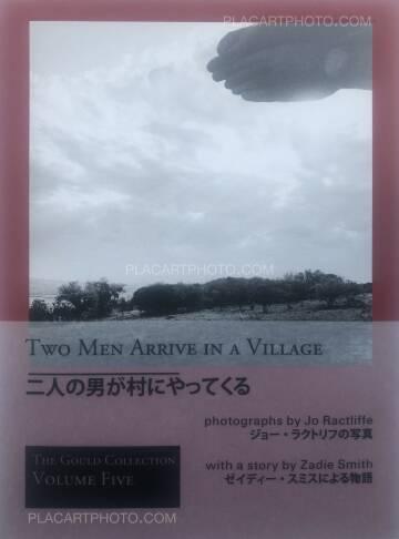 Jo Ractliffe,Two Men Arrive in a Village